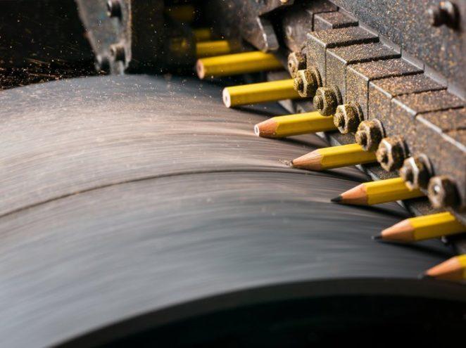Крутейший фоторепортаж с одной из фабрик карандашей в США