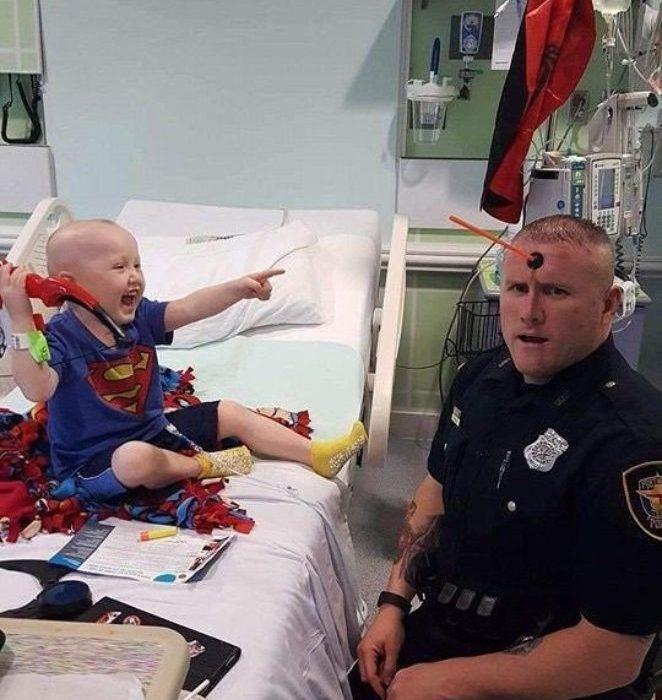 Полицейский-супергерой: добро вокруг нас
